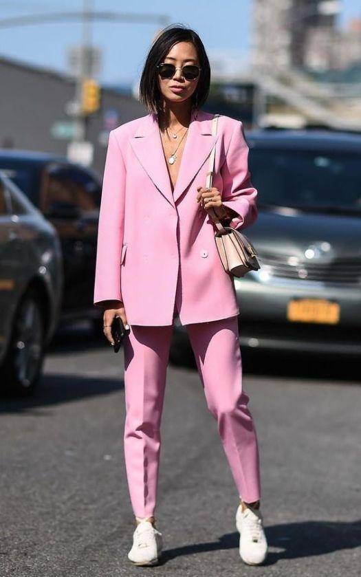 pink anzug